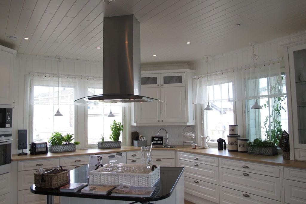 Keittiön suunnittelu ja sähköistys  Suomela  Jotta asuminen olisi mukavampaa