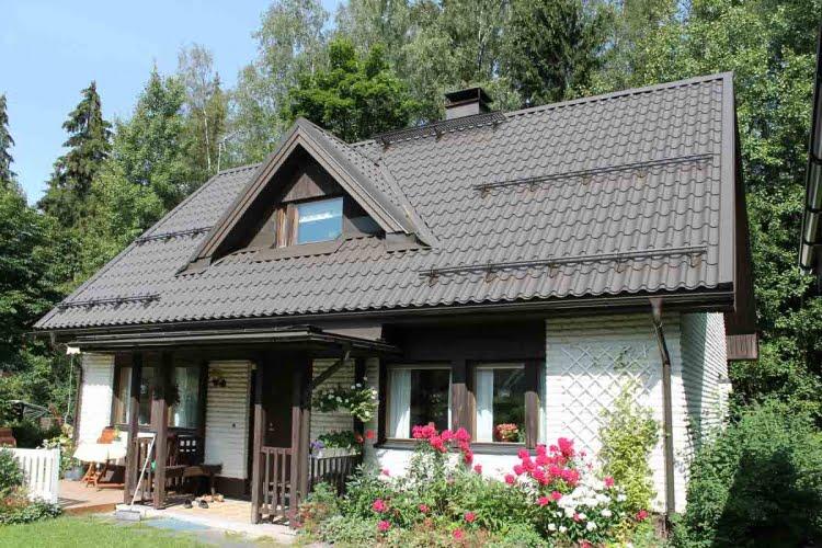 Uusi katto vanhaan taloon  Suomela  Jotta asuminen olisi mukavampaa