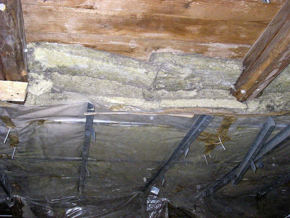 Vanhan talon alapohjan korjaus