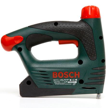 Käytä sisustustaulun kankaan kiinnityksessä Boschin PTK 3,6 V-sinkiläpistooliä
