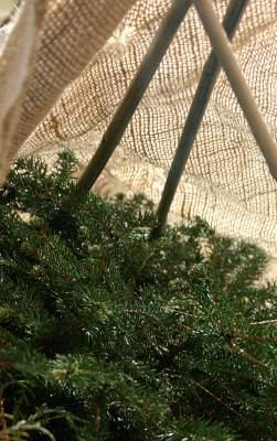 Rimat tai kepit on helppo laittaa paikoilleen jo syksyllä, kun maa on vielä sula.