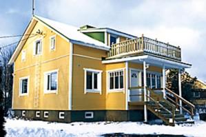 Lopputulos paransi talon ulkonäköä ja toi säästöä lisäeristyksen ansiosta lämmityskuluissa.