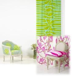 Iloisen värikkäät kankaat sopivat niin ikkunoihin kuin verhoiluun.