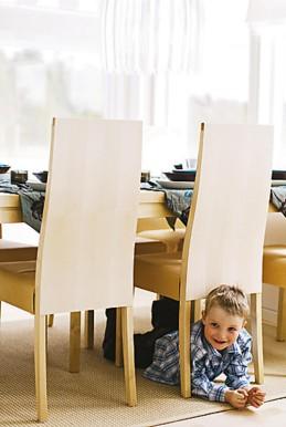Huonekalujen ja sisustustekstiilien valintaan Myllykankaat ovat saaneet apua sisustussuunnittelija Sirkka-Liisa Murtovaaralta.