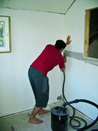DecoSander -imuri auttaa hiomispölyn siivoamisessa