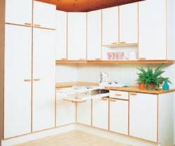 Helposti puhdistettavat laminaattiovet sopivat kodinhoitohuoneeseen hyvin