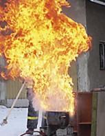 Rasvapaloa ei saa sammuttaa vedellä.