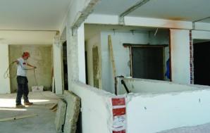 Viisikymmentä seinää pois ja kymmenen uutta tilalle
