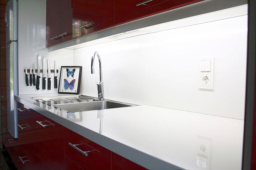 Välitila laminaatti – Talo kaunis rakennuksen julkisivuun