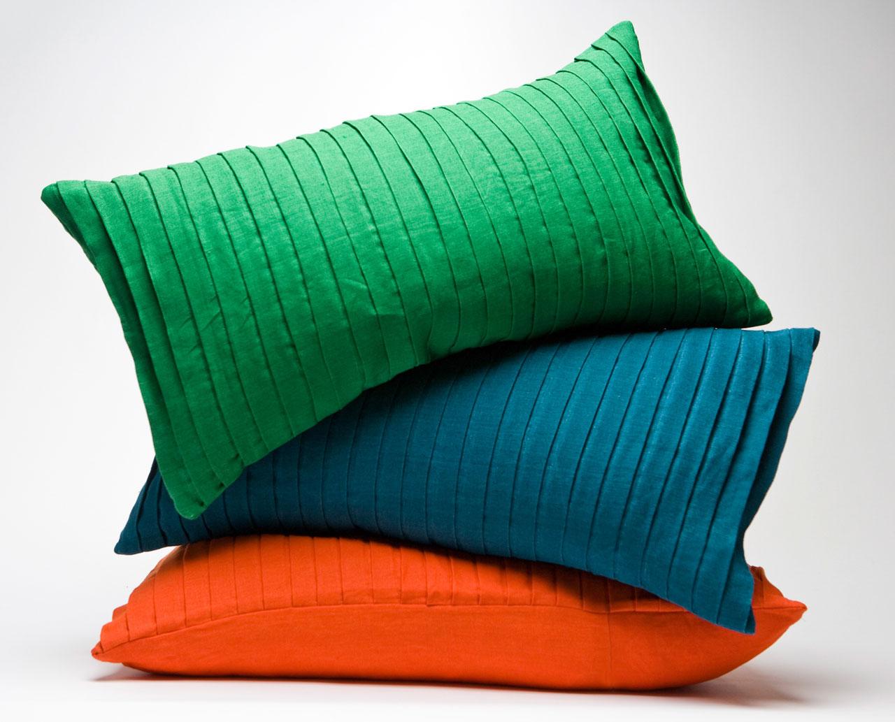 Tyynyillä saa helposti uutta raikasta ilmettä tilaan, 39,90 euroa / kpl, Hemtex.