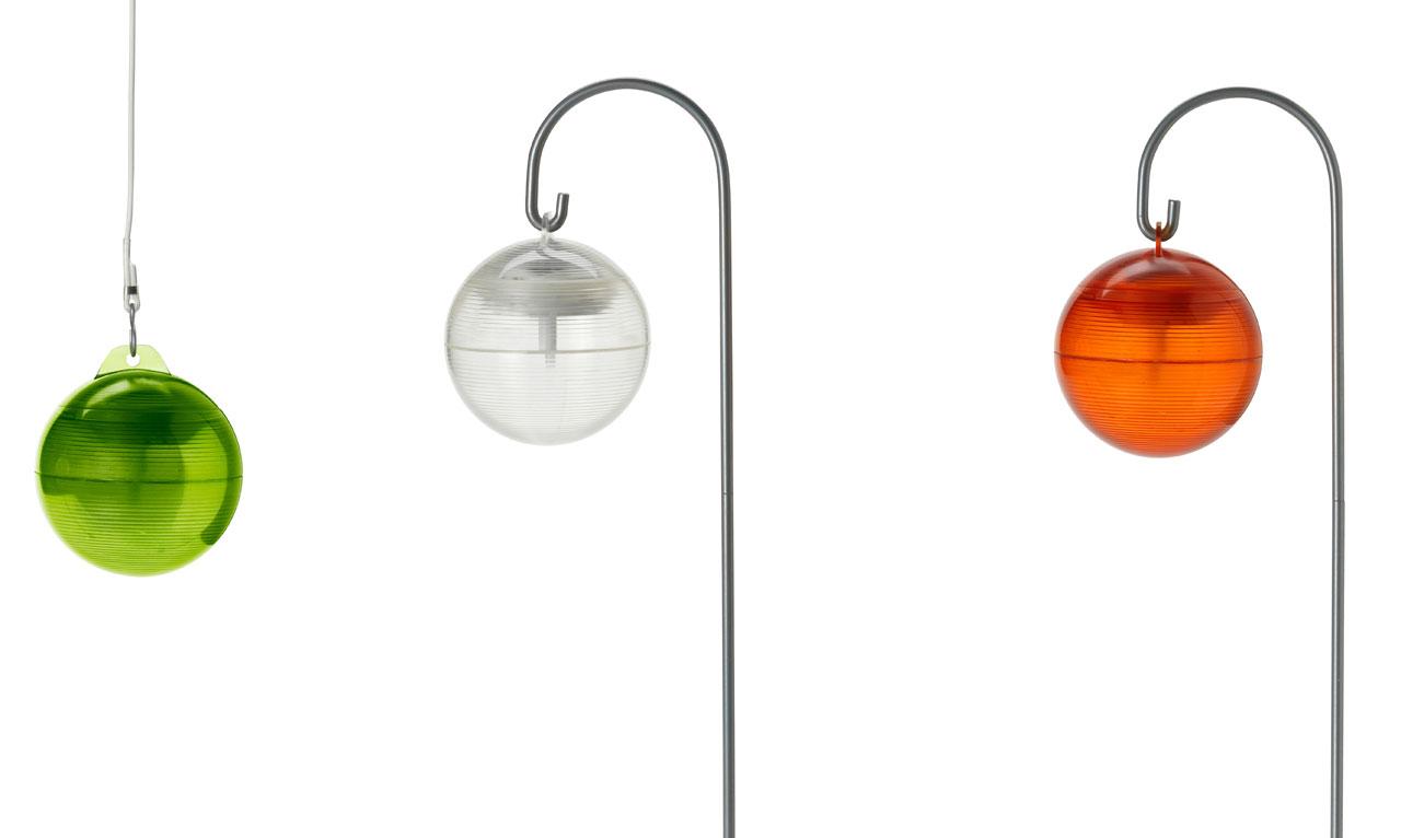 Hauska aurinkokennovalaisin pihaa valaisemaan, 7,95 euroa, Ikea.