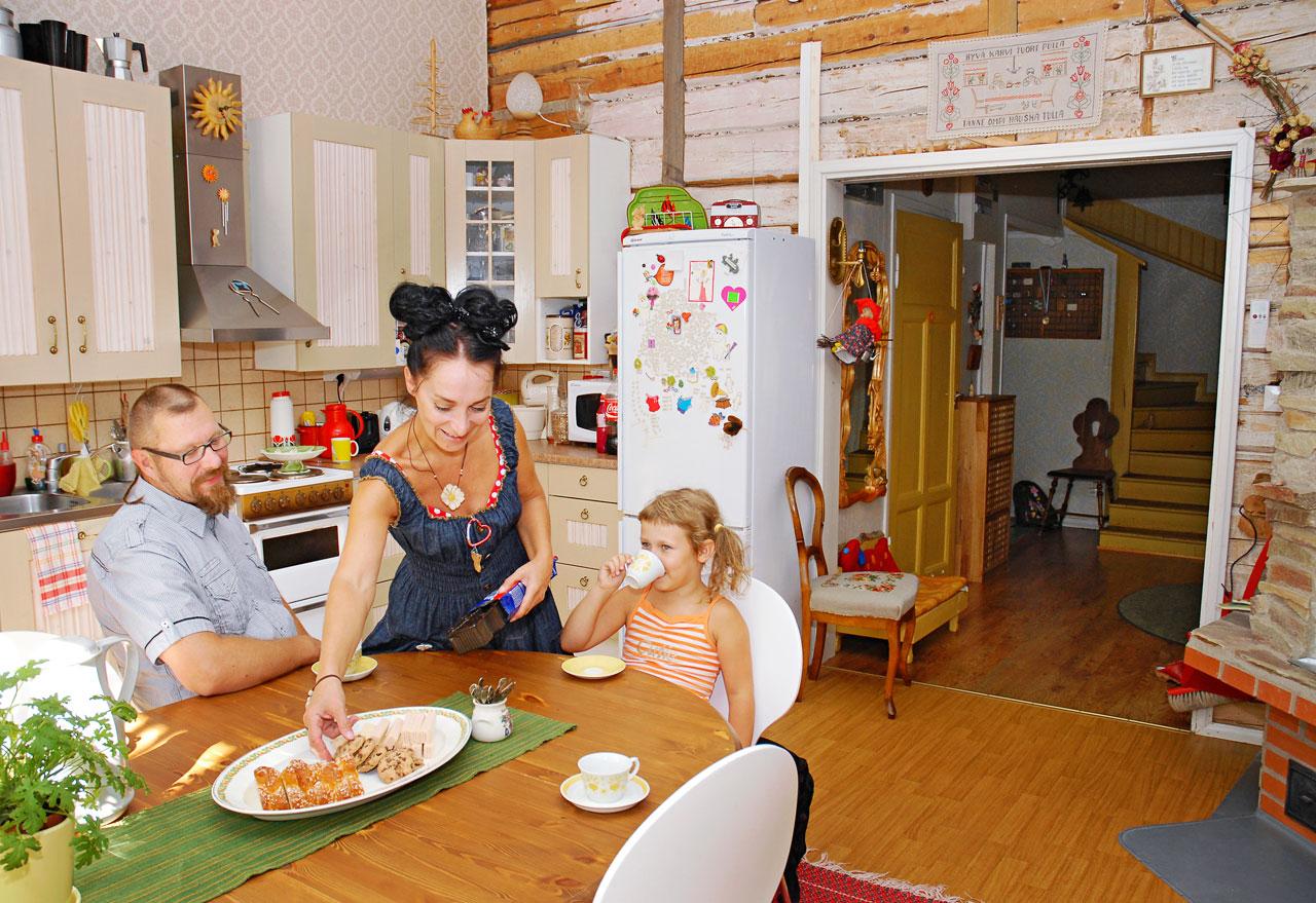 Arki vanhassa talossa on juhlaa ja keittiö on sielukkaan kodin kirkkain kruunu.