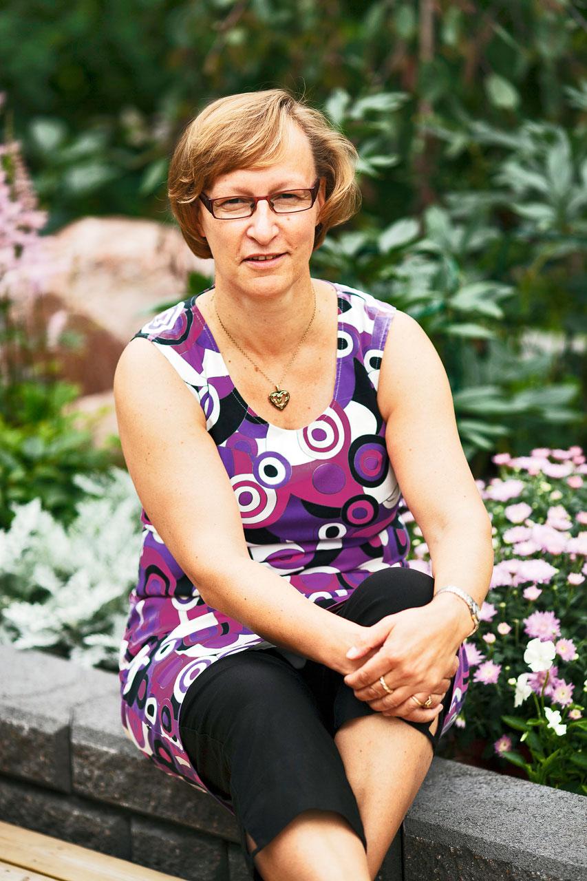 Anna-Maija Rimpiläinen halusi uudistuksen myötä nostattaa puutarhansa käyttöastetta.