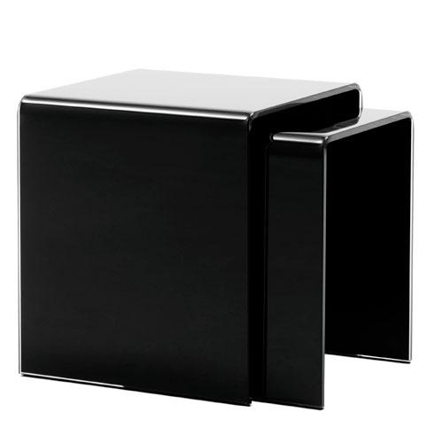 Yöpöytä, mustaa lasia, 199 euroa, BoConcept.