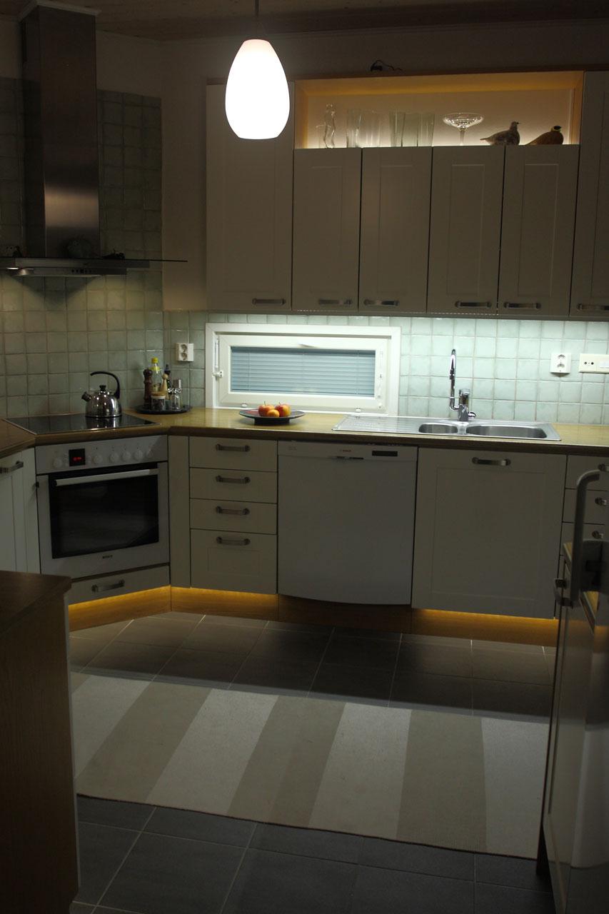 Led valaisin ja keittiön valaistus  led lamppu kirkasti
