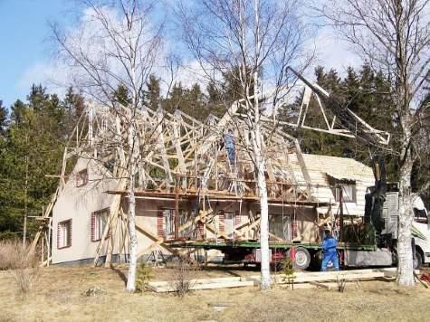 Mansardikatto rakennettiin vanhan talon päälle