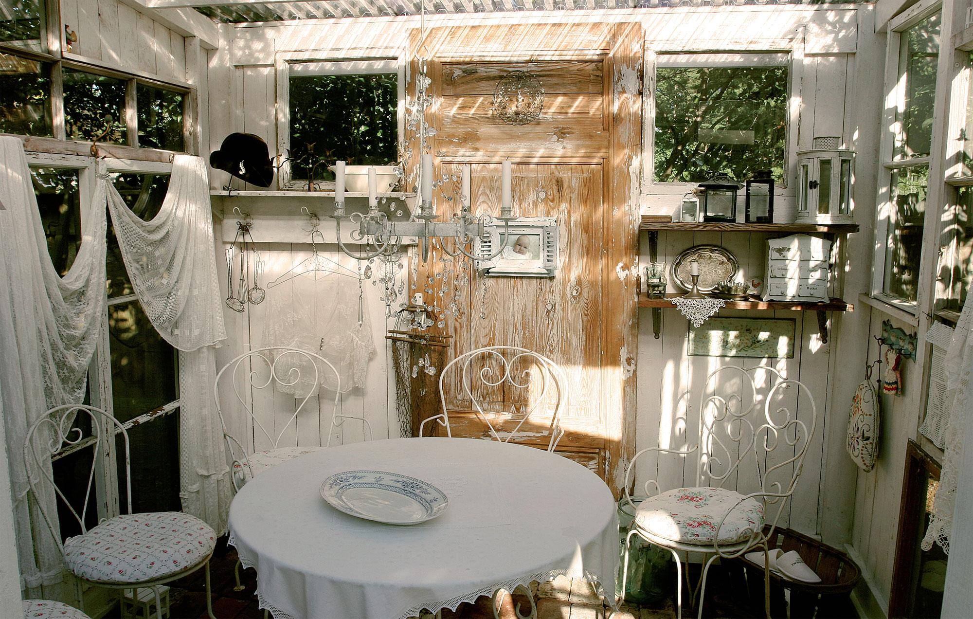 Vanha puutarhakalusto on 80 euron kirpputorilöytö Ranskan maaseudulta.