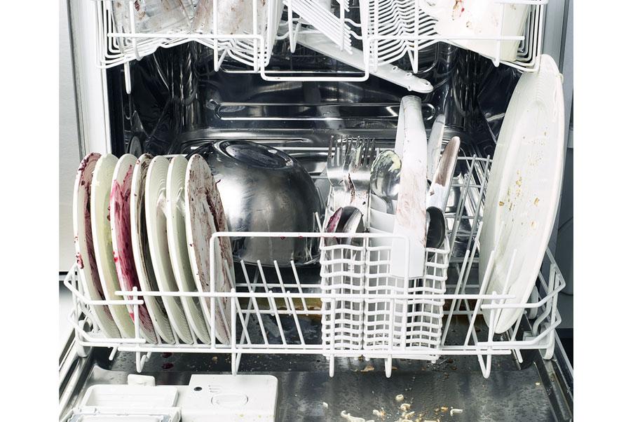 Matalat pesulämpötilat ja lyhyet pesuohjelmat vähentävät niin sähkön kuin vedenkin käyttöä.