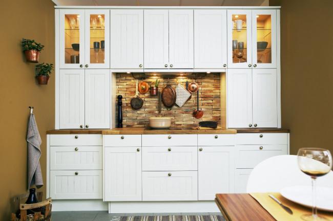 Epoq-keittiö Allmo-valkoinen