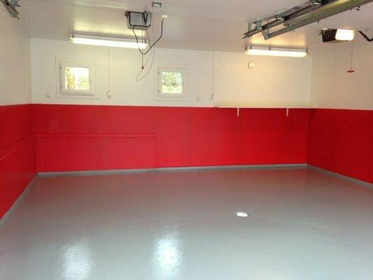 Autotallin maalaaminen – uusi maali raikastaa autotallin