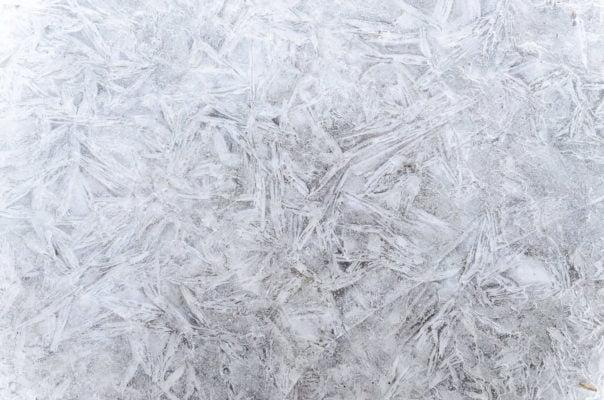 Jäätyneet putket talvella