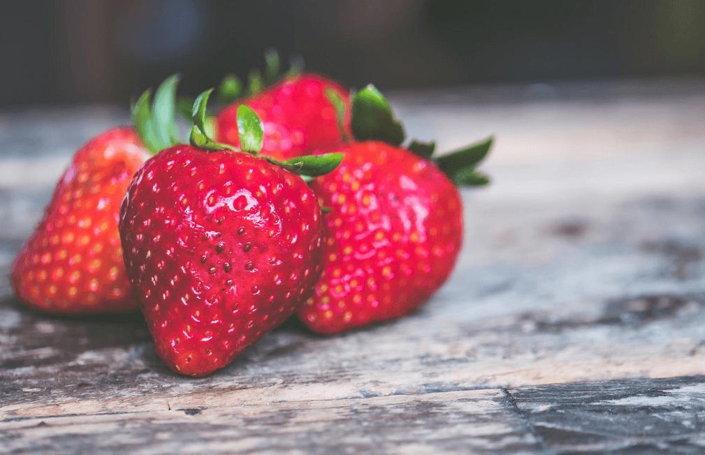 Kotimaiset mansikat