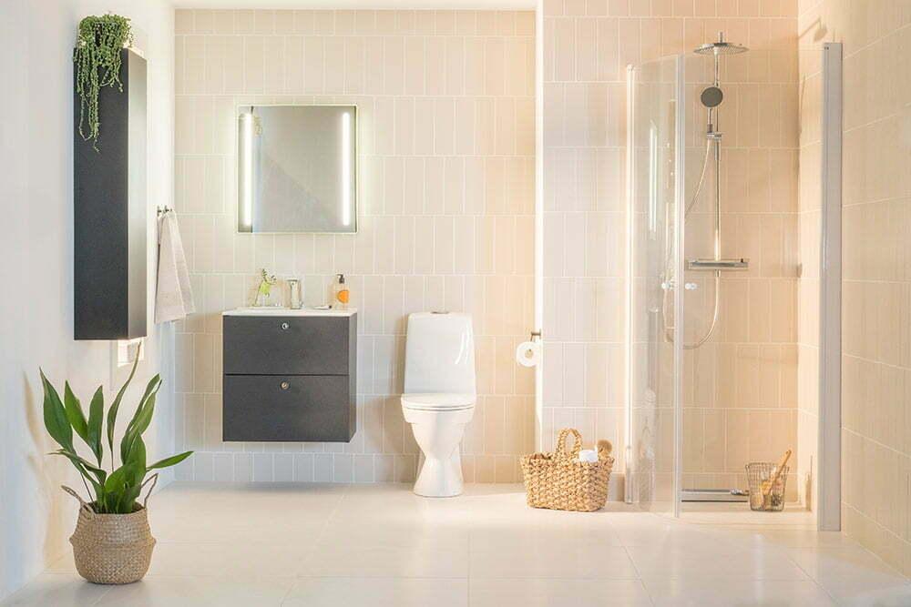 Kylpyhuoneen sisustustrendit 2018 – suomalaiset haluavat kylppäriin selkeitä linjoja ja kontrasteja