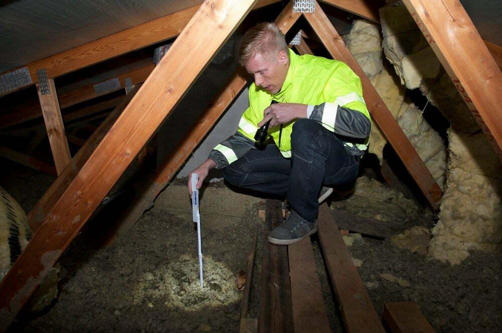 Puhallusselluvilla yläpohjassa säästää energiaa ja lämmityskuluja
