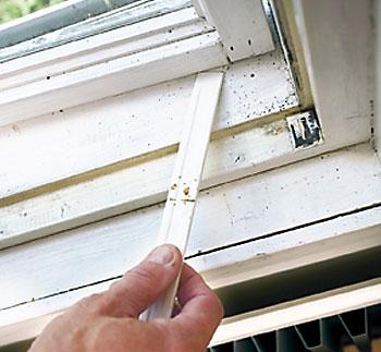 Ikkunoiden tiivistäminen kannattaa. Tuloksellinen mittaus edellyttää ulko- ja sisäilman lämpötilaeroa.