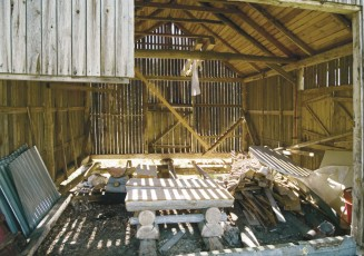 Vanhasta ja läpituulevasta vajasta ei aluksi voinut uskoa, että sinne voisi rakentaa modernin saunarakennuksen.