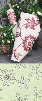 English Garden -paperitapettimalliston upeat kukkakuosit voi yhdistää yksiväristen ja raidallisten tapettien kanssa