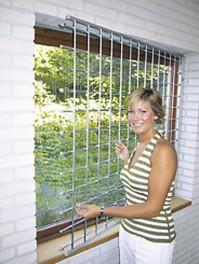 Kalteri voidaan asentaa ikkunan sisäpuolelle.