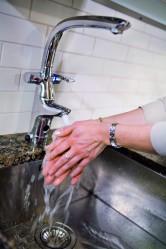 Automaattitoiminnolla varustettu Oraksen Ventura -hana on keittiössä kätevä