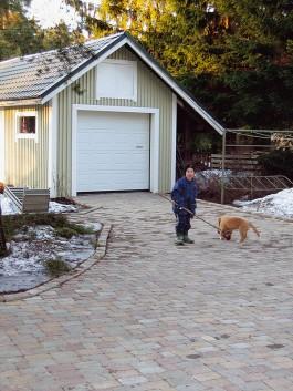 Valmis kiveys huhtikuussa 2005. Kun perustukset oli edellisenä syksynä tehty kunnolla, se kesti talven roudat ja lumet.