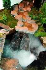 Puroaihe höyryä tuottavine kivineen.