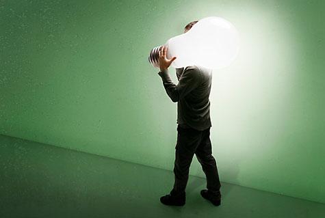 Hei hei hehkulampuille. Tervetuloa energiapihi led-lamppu.