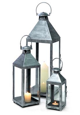 Klassinen metallilyhty antaa valoa pimeneviin iltoihin