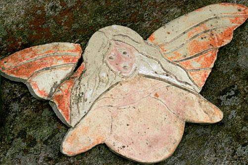Pirkon muovaama enkelilintu on siipirikkoisenakin arvokas.